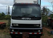 Excelente camión isuzu ftr blanco con furgón