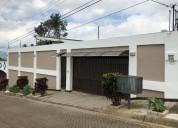 Casa en residencial el coco de alajuela
