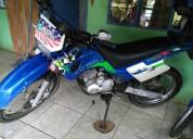 Vendo excelente moto al dia o cambio en sarapiquí