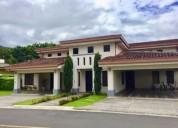 casa espaciosa con anexo u apartamento en condominio de santa ana 3 dormitorios 780 m2