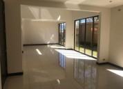 Venta o alquiler de casa contemporanea en condominio en escazu 3 dormitorios