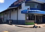 Edificio farmacia y clinica barboza en san ramón