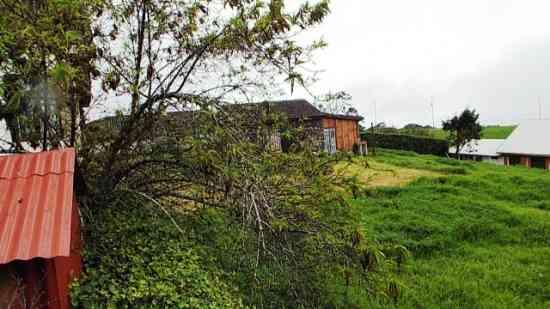 Precioso lote con Casa de Piedra Loft en Cipreses